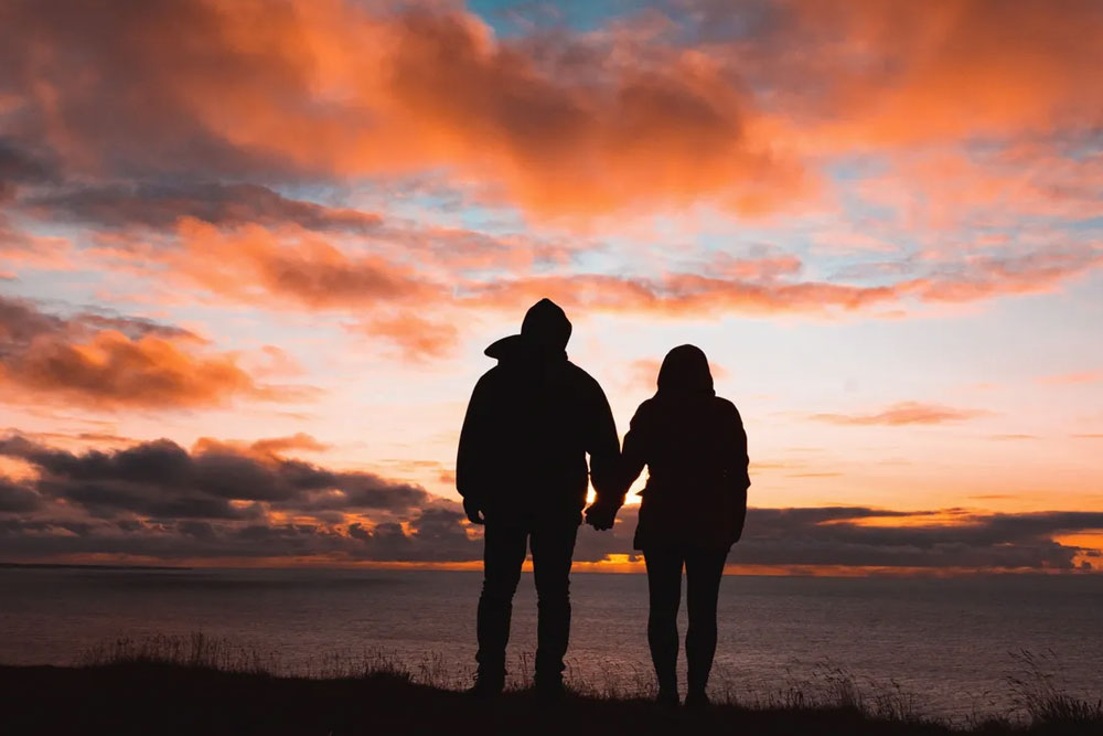 suspect-my-spouse-of-having-an-emotional-affair